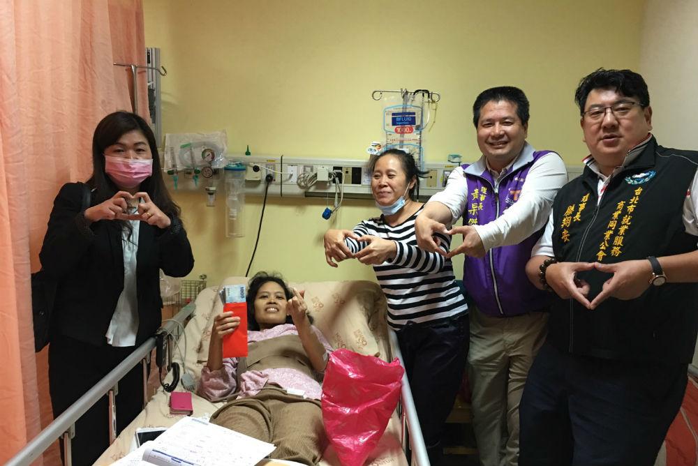 『我不想死在台灣!』  雇主與仲介陪移工抗癌